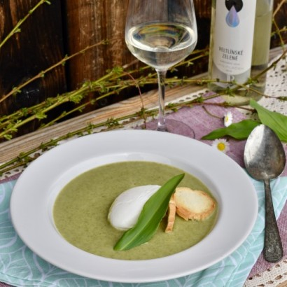 Recepty s vínem: Polévka z medvědího česneku